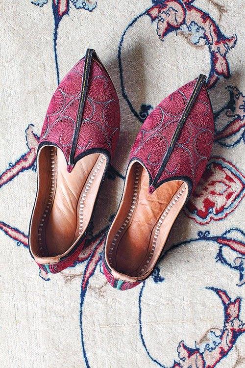 Mojari, Mojri, Mojadi. Medium: leather, cotton thread. Prarthna Singh